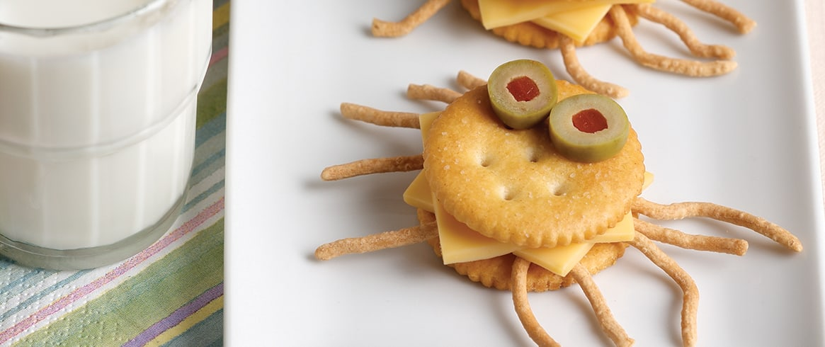 RITZ Crab Cracker Critter